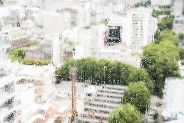 ניקוי חלונות באמצעות סנפלינג