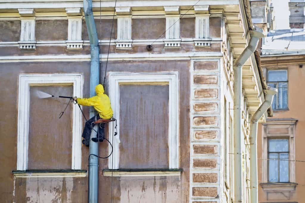 איטום ושיקום קירות חיצוניים בבתים משותפים