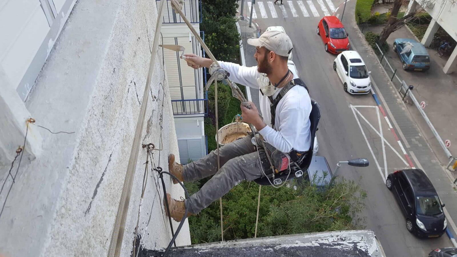 עבודות איטום בגובה סכנות, יתרונות וטיפים